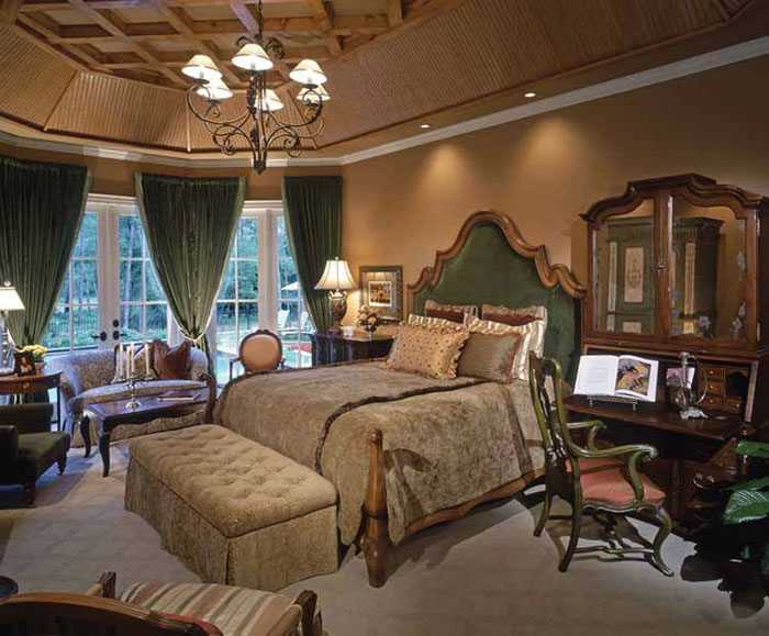 69485480008 Antique Bedroom Ideas with Vintage Classy Designs