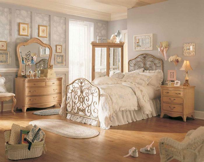 69485550407 Antique Bedroom Ideas with Vintage Classy Designs
