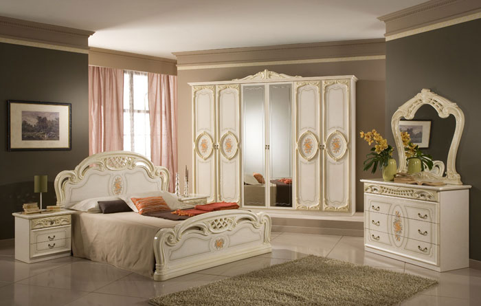 69485504099 Antique Bedroom Ideas with Vintage Classy Designs