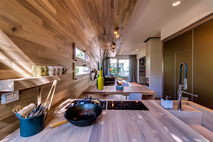 68262019708 Nice apartment in Tel Aviv with wooden elements