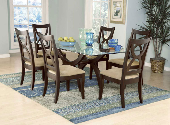 67958534466 Glass dining tables to add a contemporary touch to your interior