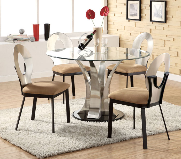 67958470763 Glass dining tables to add a contemporary touch to your interior
