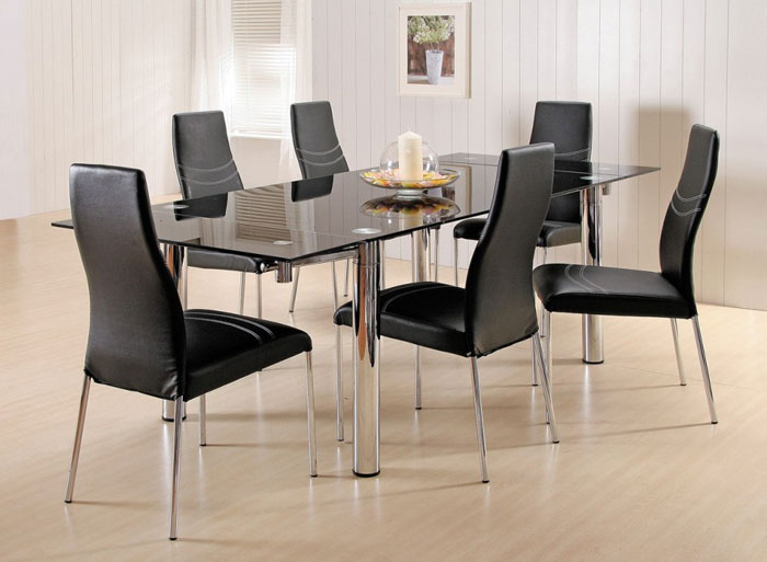 67958722388 Glass dining tables to add a contemporary touch to your interior
