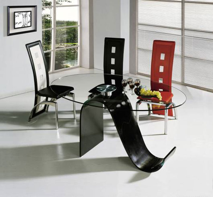 67958823798 Glass dining tables to add a contemporary touch to your interior