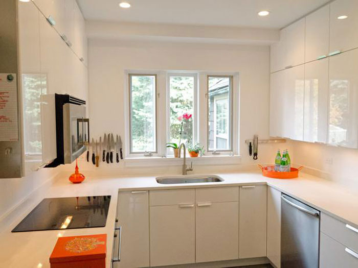 66498009448 Tips and suggestions for designing a small kitchen