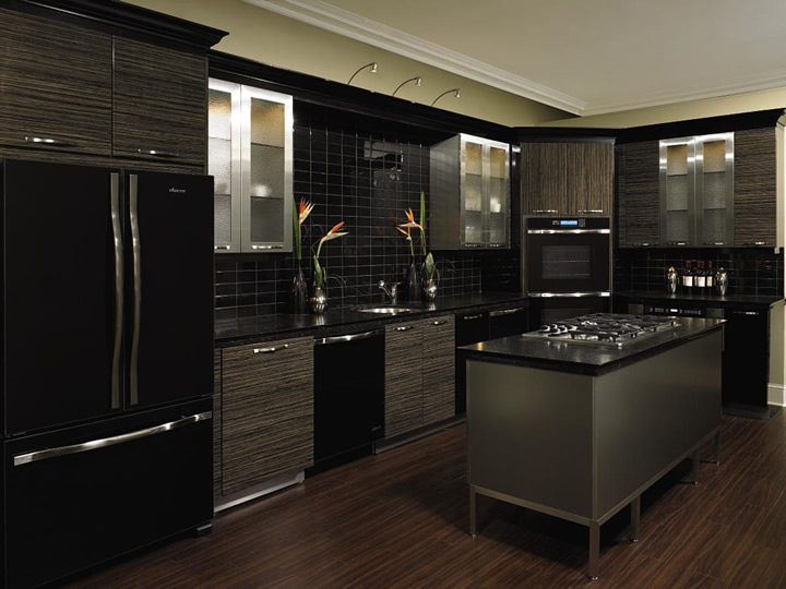 b13 The unexpected stylish look of black kitchen designs