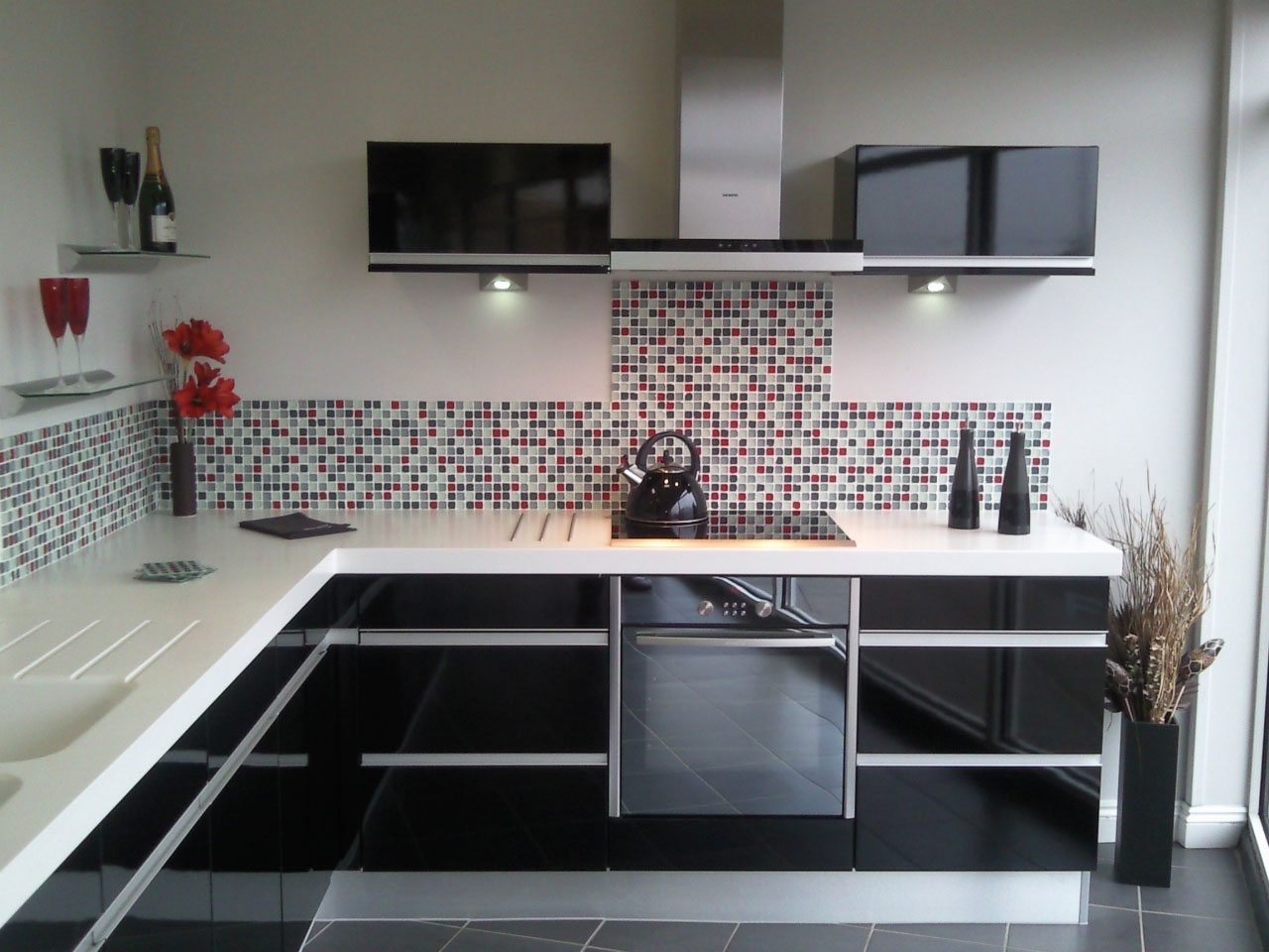 b12 The unexpected stylish look of black kitchen designs