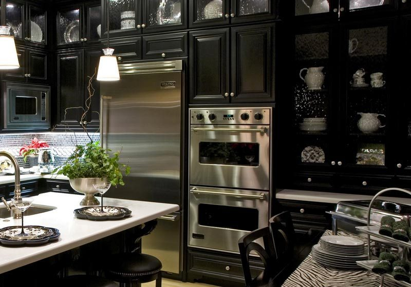 b21 The unexpected stylish look of black kitchen designs