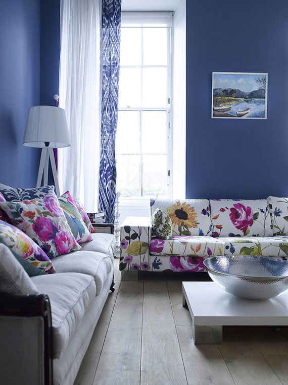 b24 Examples of living rooms decorated with blue