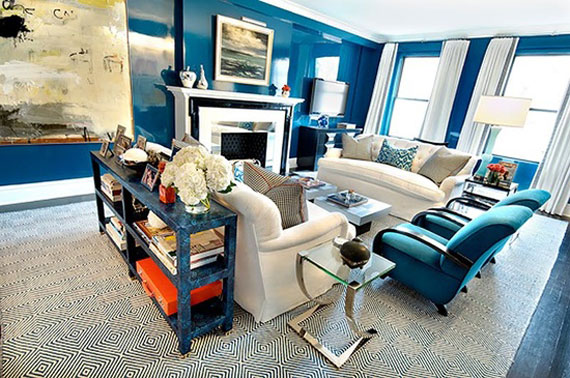 b33 Examples of living rooms decorated in blue