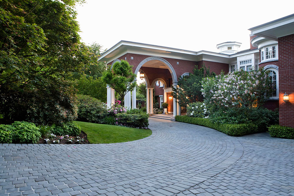 CobblestonePaverDriveway-GettyImages-83116815-58f639a85f9b581d59e6d03b 5 simple tips for the perfect driveway