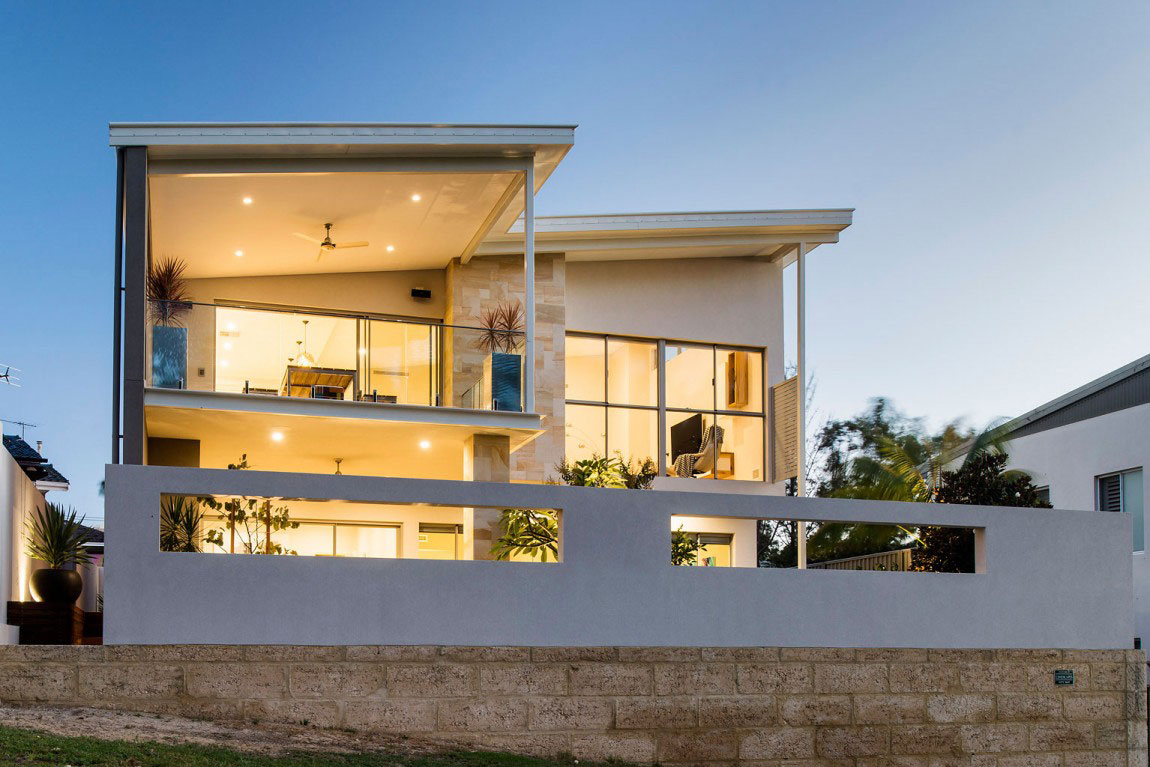 A flashy house with an abundance of windows designed by residential settings 1 A flashy house with an abundance of windows designed by residential settings