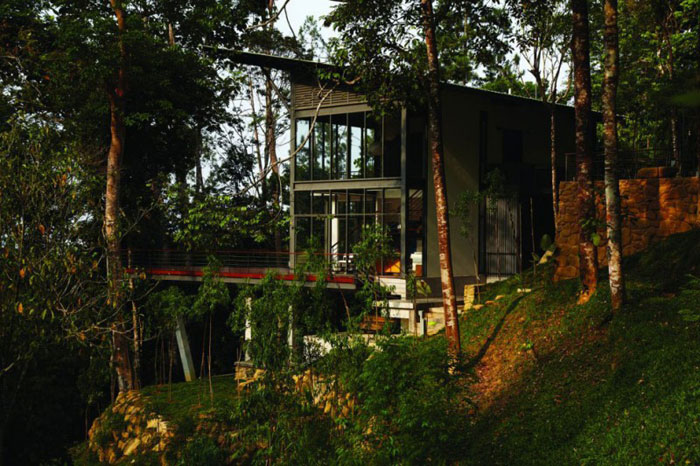 73517546199 Beautiful deckhouse in the woods Designed by Choo Gim Wah Architect