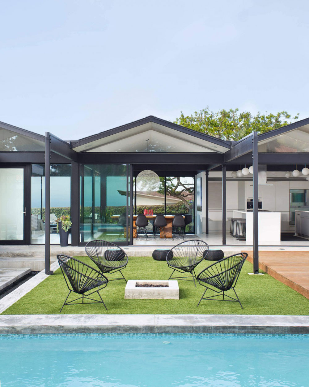 Beautiful sunny house created by Pierre Koenig and redesigned by Robert Sweet-13 Beautiful sunny house created by Pierre Koenig and redesigned by Robert Sweet