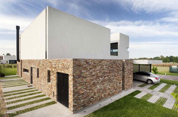 50025001472 Casa A in Argentina Designed by Estudio GMARQ