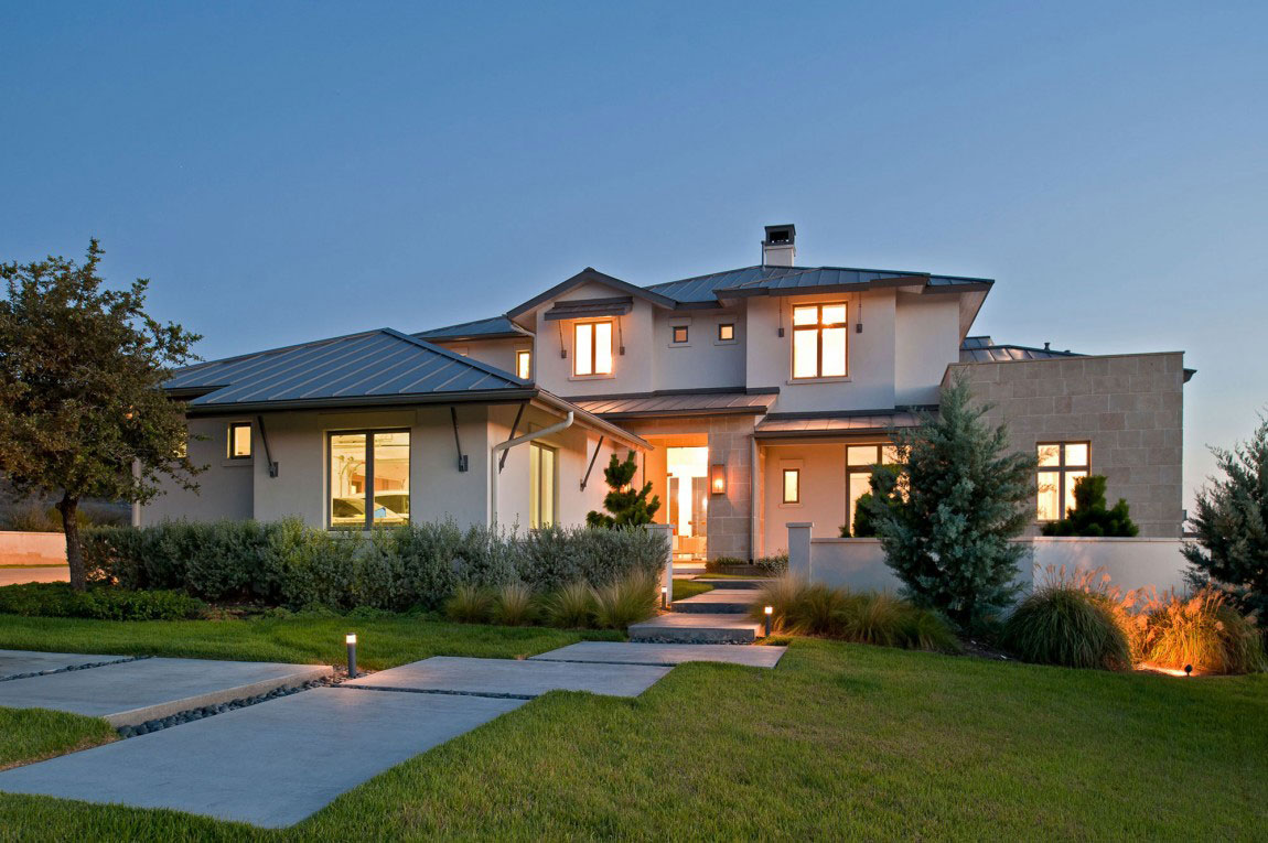 Contemporary house with a modern country style 1 Contemporary house with a modern country style