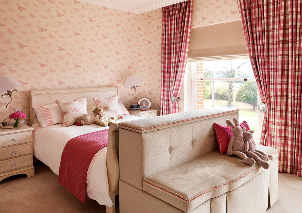 Design Tips For Decorating A Small Bedroom On A Budget 1 Design Tips For Decorating A Small Bedroom On A Budget