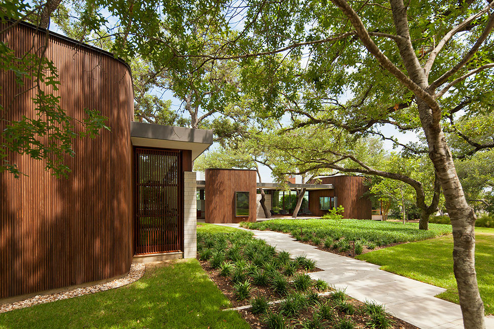 Elegant and comfortable home with a mix of modern and rustic styles 1 Elegant and comfortable home with a mix of modern and rustic styles