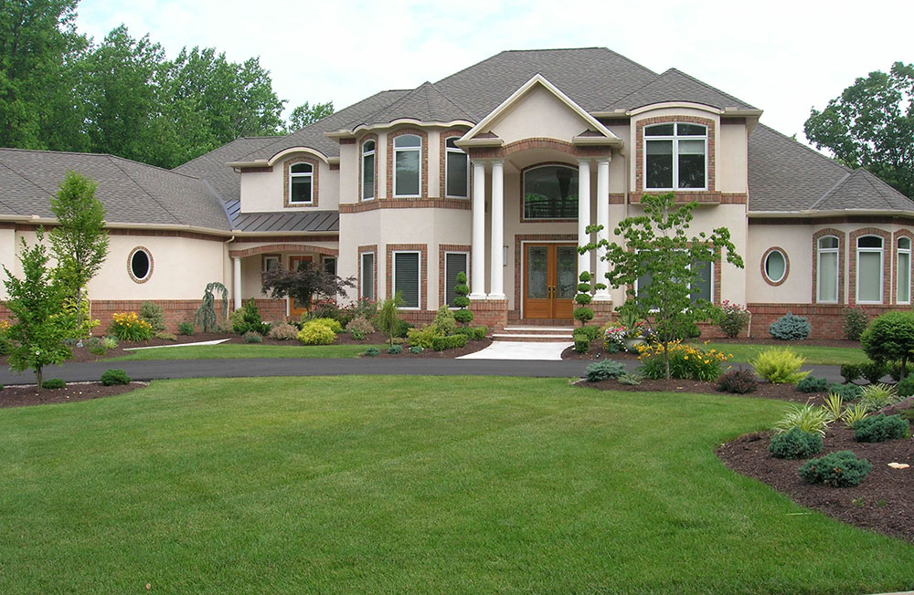 Residential lawn How to design your lawn like a golf course
