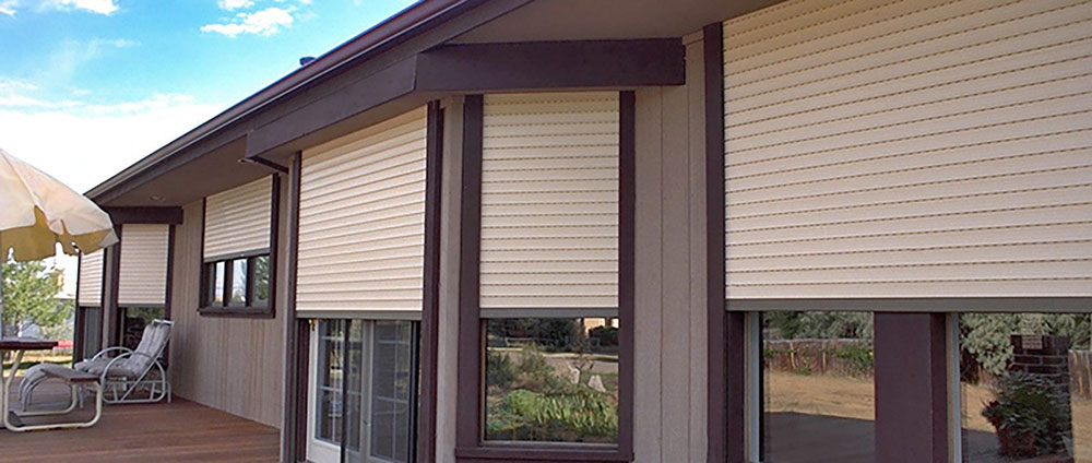 Exterior_Rolling_Shutters_2-1600x679 Investment in roller shutters for your company