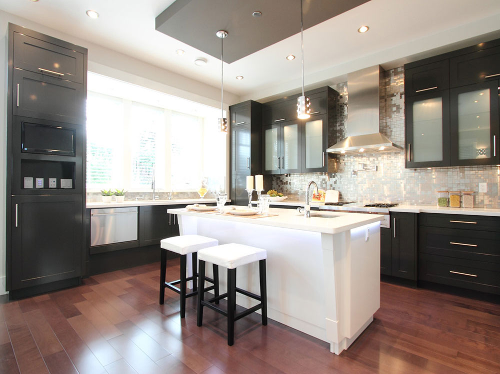 Kitchens-with-black-cupboards-can-still-be-bright14 Kitchens with-black cupboards - pictures and ideas