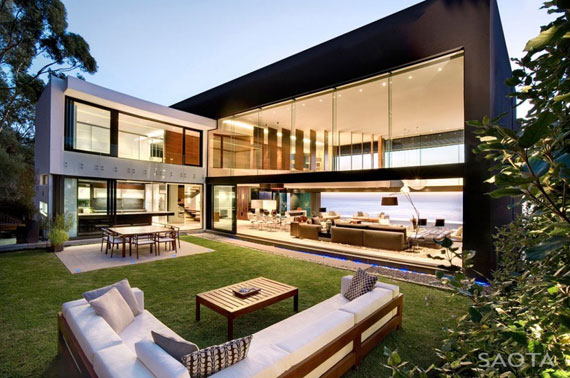 af1 Splendid House in South Africa By SAOTA Architects and OKHA Interiors
