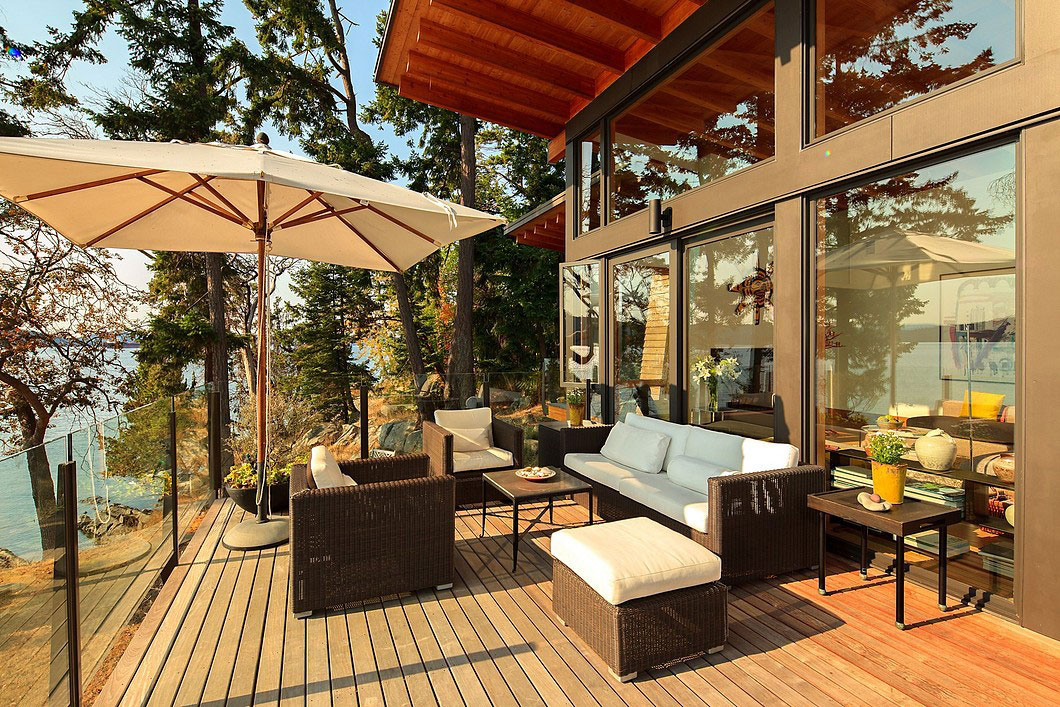 Saturna-island-retreat-and-its-large-expansive-windows-1 Saturna-island-retreat and its large, expansive windows
