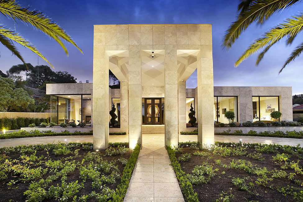 Shiny and beautiful luxury residence 1 Shiny and beautiful luxury residence designed by Bagnato Architects