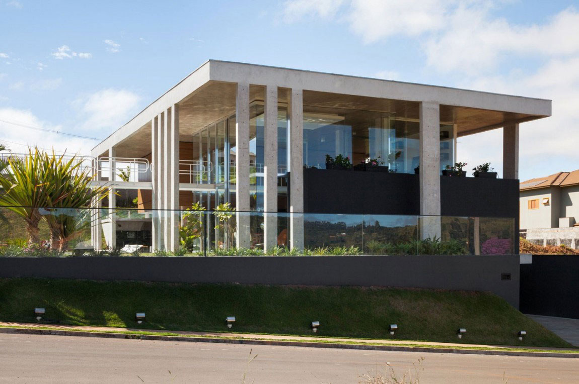 The Botucatu House stands as an architectural masterpiece 1 The Botucatu House stands as an architectural masterpiece