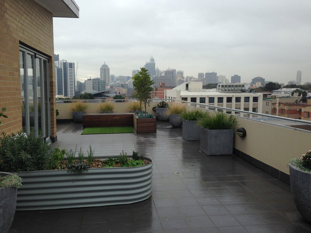 Tips for Building a Balcony Garden in Your Apartment2-1 tips for building a balcony garden in your home