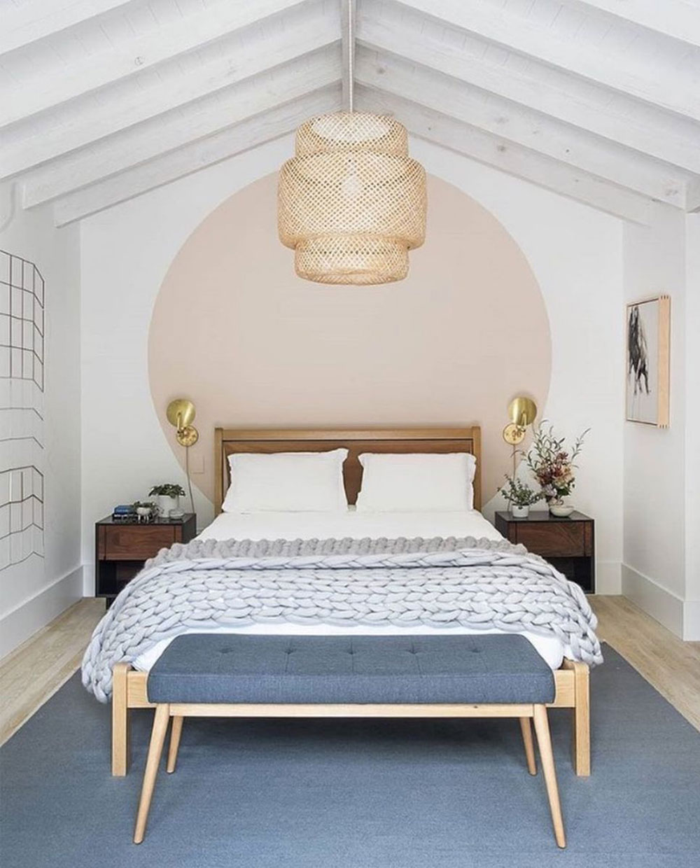 Focus on top 5 ideas for decorating your small bedroom
