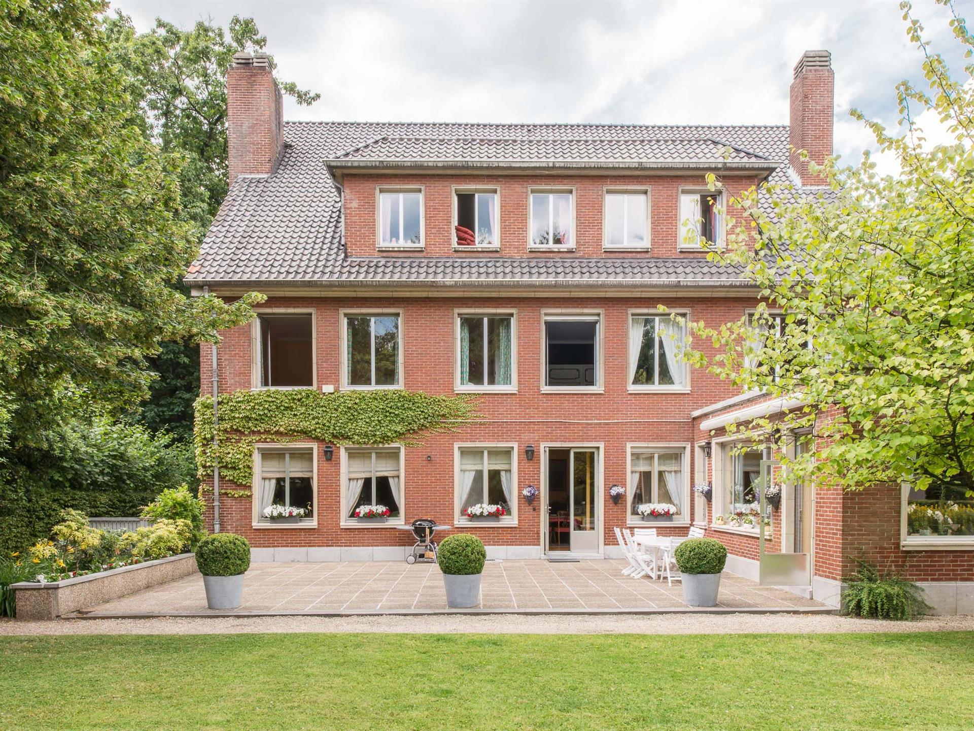 A beautiful and spacious Belgian house in Uccle