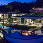 A wonderful contemporary luxury home designed by McClean Design