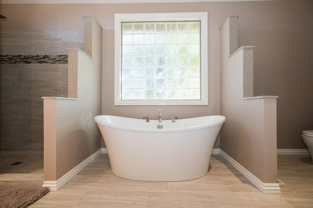 Bathroom with skylights that make you rethink your design