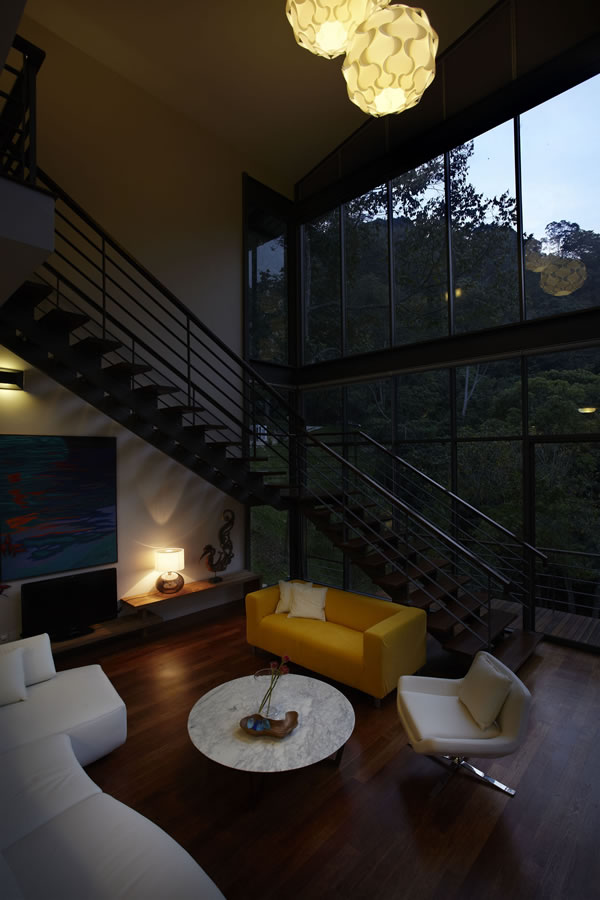 Beautiful deckhouse in the woods designed by Choo Gim Wah Architect