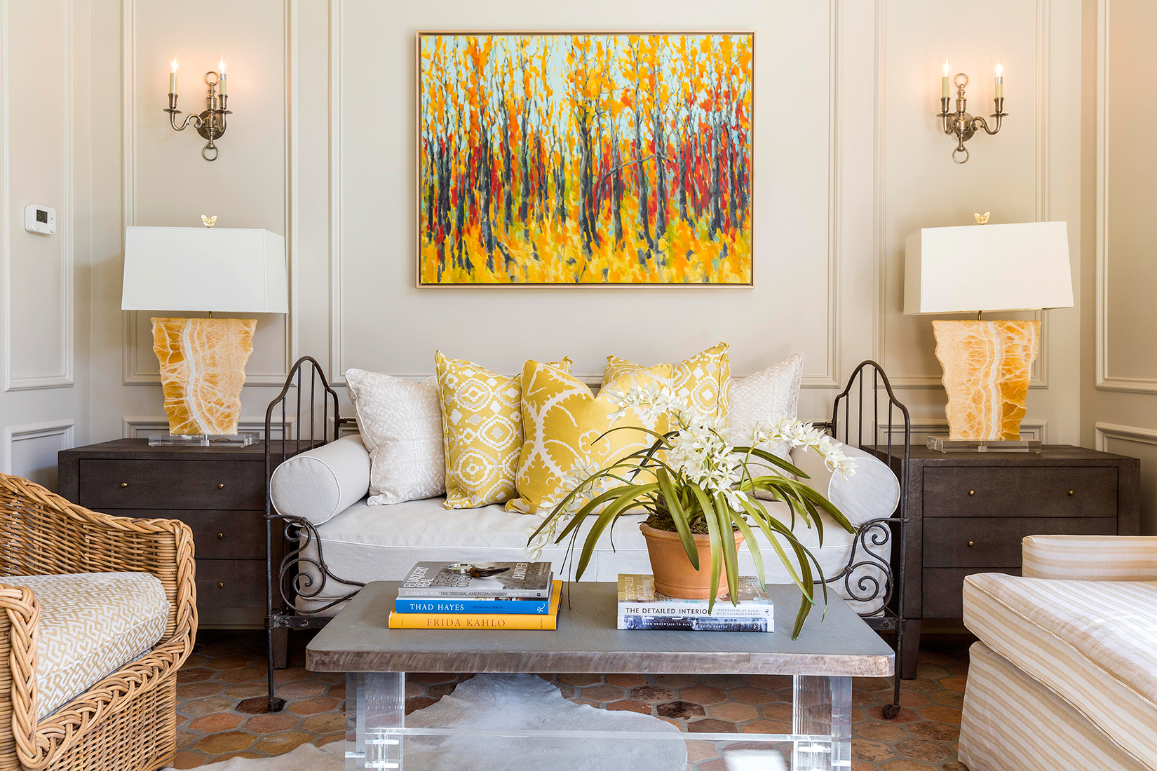 Colors that go with yellow: how to combine them
