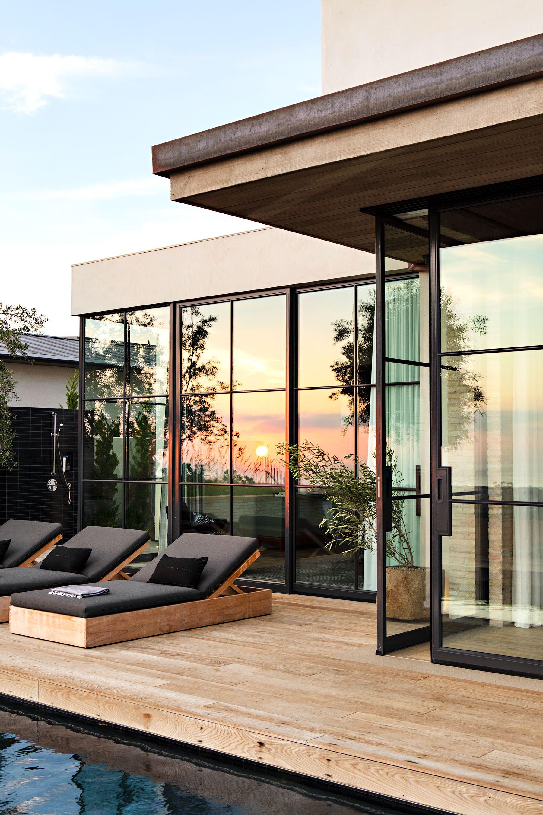 Creative outdoor deck ideas for a beautiful garden