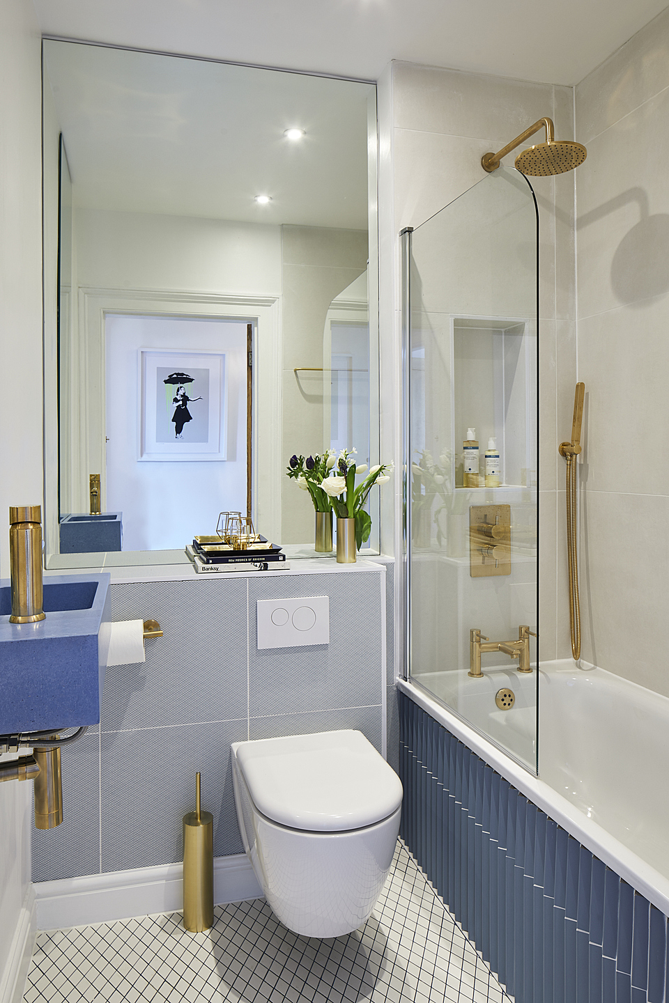 Designing a Small Bathroom – Ideas and Tips