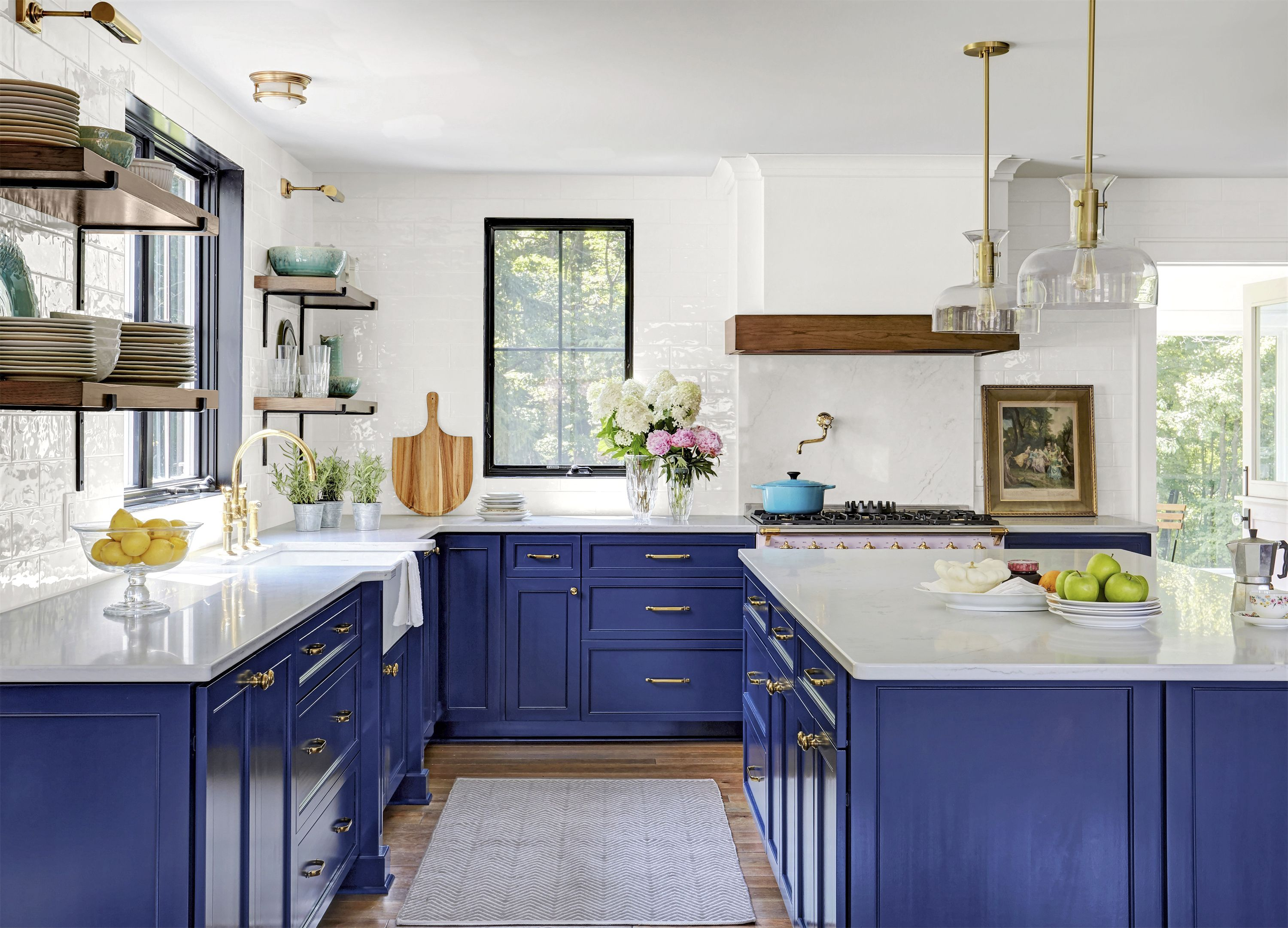 Examples of what the interior of the kitchen should look like