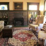 How to decorate with antique carpets