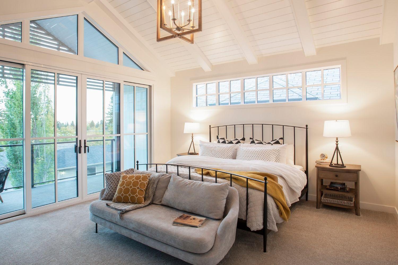 Interesting ideas for bedside lighting in your bedroom