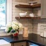 Kitchen shelves: ideas for floating, pull-out, and wall-mounted shelves