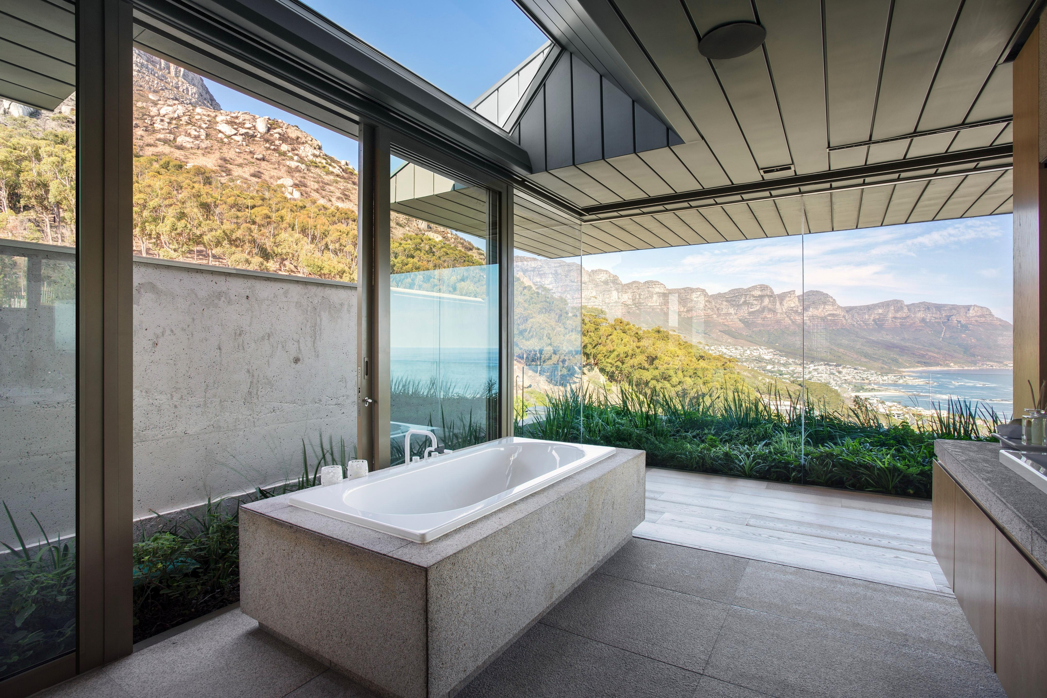 Luxurious contemporary residence designed by SAOTA and Studio Parkington