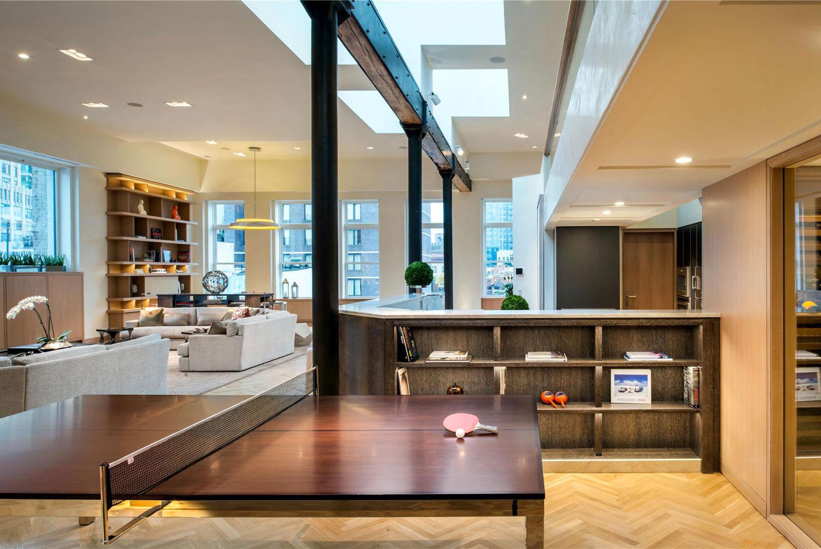 Minimalist Manhattan penthouse with glass exterior walls