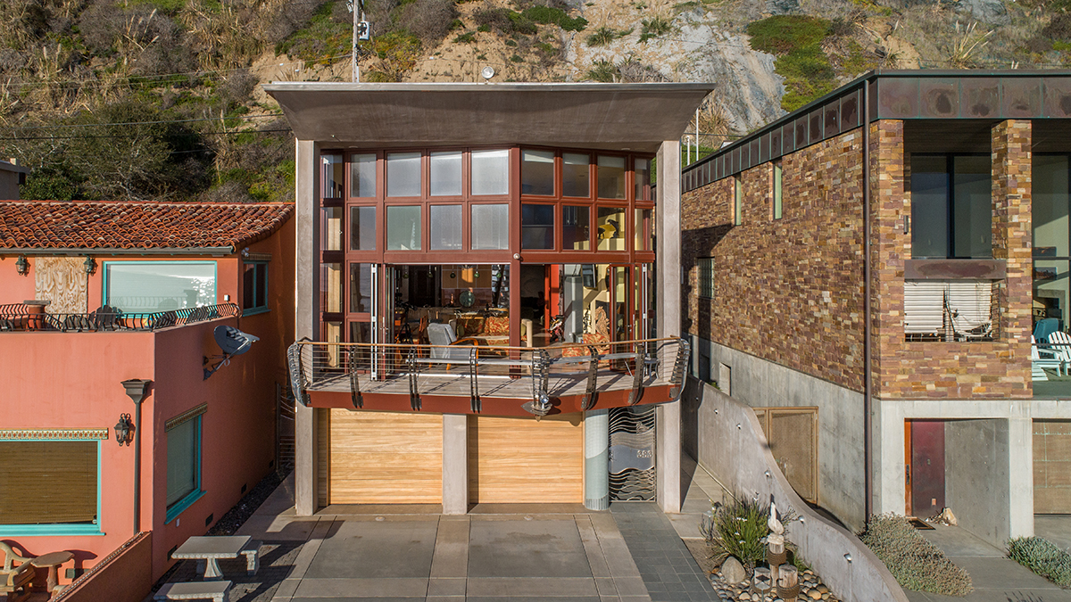 Nautical Lines Residence is a unique homage to the ocean and nautical life