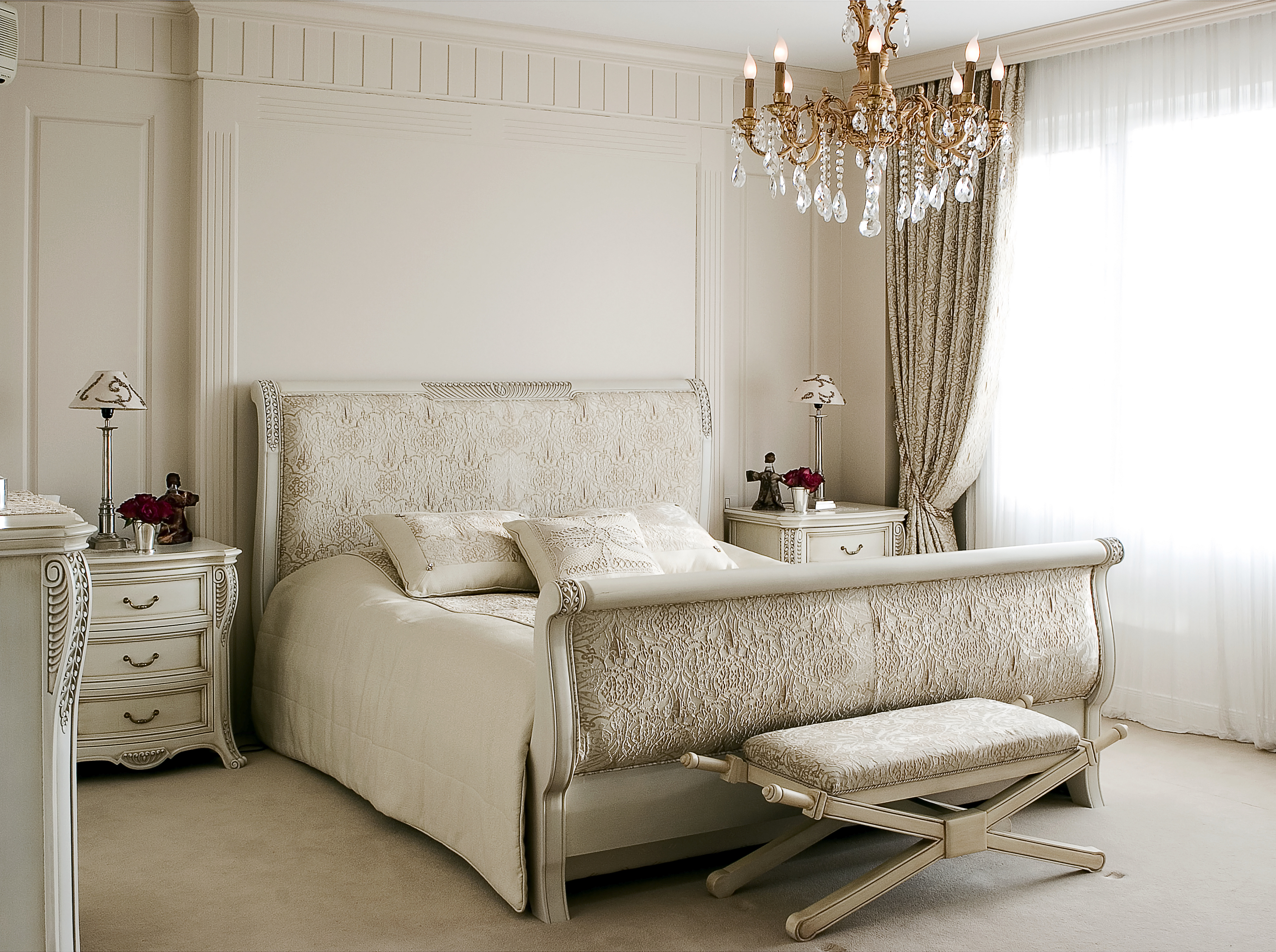 Nice interior designs of bedrooms to check out