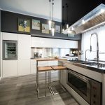 Stainless steel backsplash – advantages, tips and ideas