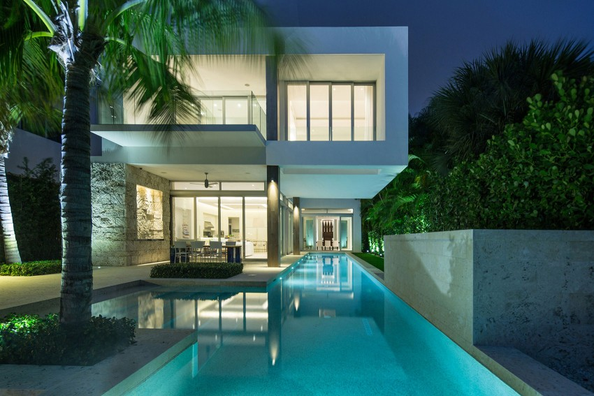 The beautiful and luxurious airy home in Key Biscayne