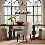 Tips for decorating small dining rooms