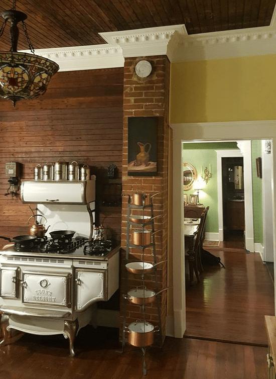 Vintage kitchen interior design examples